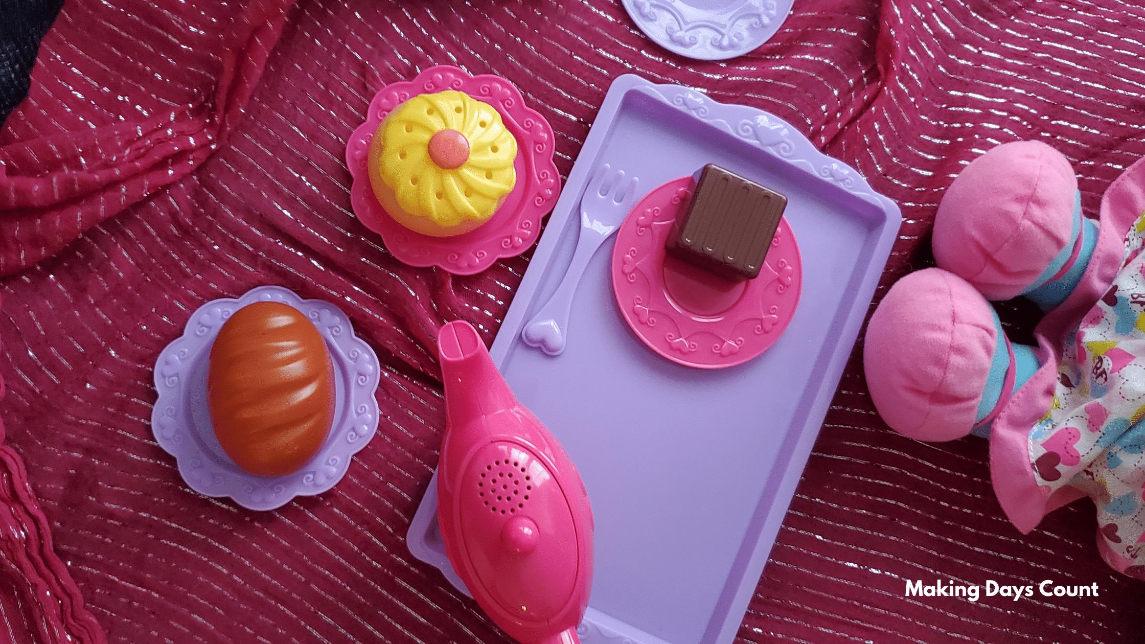 Indoor Toddler Activities: Pretend Play